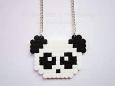 Bijou Collier Panda blanc et noir perle hama par DoucesCreations