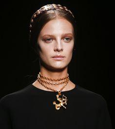 Les bijoux du défilé Valentino printemps-été 2014