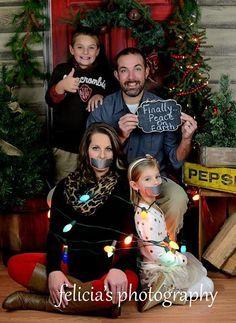 Peace on Earth - Family Christmas photography