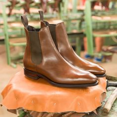 Introducing one of our staples 80216 now available in brown vegano. Discover at Carmina Shoemaker website and Carmina Stores Mens Boots Fashion, Leather Fashion, Cordovan Shoes, Chelsea Shoes, Mens Attire, Italian Shoes, Mens Style Guide, Rubber Shoes, Casual Boots
