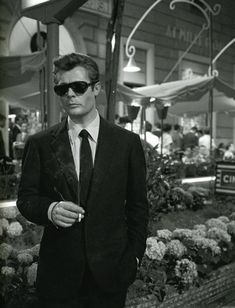 marcello mastroianni, la dolce vita, by frederico fellini, 1960 Marcello Mastroianni, Black N White Images, Black And White, White Pic, Fritz Lang, Ray Ban Sunglasses Sale, Persol, Actrices Hollywood, Man Ray