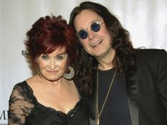 Rumors that the marriage between Ozzy and Sharon Osbourne was on the cliffs spread like wildfire yesterday. Ozzy Osbourne, Ozzy And Sharon Osbourne, Celebrity Couples, Celebrity News, Elton John Aids Foundation, Getting Divorced, Black Sabbath, Kiss Makeup, Round Sunglasses
