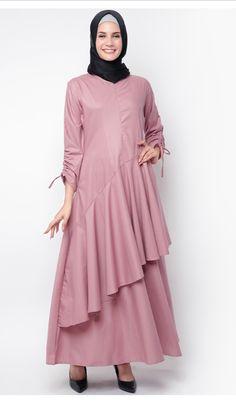 JV Hasanah Nabila Ruffle Dress Dress cantik untuk menemani dalam berbagai acara spesial. Material flowy dan nyaman dipakai. Aksen Ruffle dibagian depan mempercantik tampilan. #bajumuslim #abaya #abayafashion #gamis #gamismurah #gamissyari #gamiscantik #abayastyle #muslimfashion #muslimdress #afflink #fashion #elegantabaya #longsleeves #dresses #muslimfashion #islamicfashion #modestfashion #modestclothing #modestdress #islamicclothing#abayafashion #womensfashion #jubah #busanamuslim Muslim Dress, Hijab Dress, Hijab Outfit, Abaya Fashion, Modest Fashion, Pola Kebaya Kutubaru, Modern Abaya, Moslem Fashion, Abaya Designs