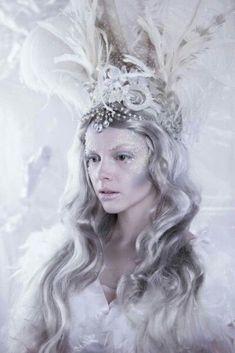 Halloween Snow and Ice Queen Fantasy Makeup: Hannah King ( Model: Grace Monck, Photographer: Headdress: Fantasy Hair, Fantasy Makeup, Headdress, Headpiece, Ice Queen Costume, Maquillage Halloween, White Queen, Beauty Photos, Costume Makeup