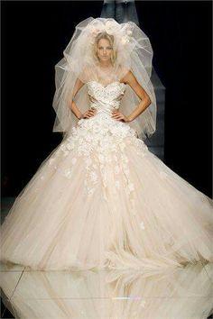 Zuhair Murad Haute Couture F/W Wedding gown! Beautiful Wedding Gowns, Beautiful Bride, Beautiful Dresses, Wedding Attire, Wedding Dresses, Gown Wedding, Wedding Cake, Dresses Short, Dresses 2013
