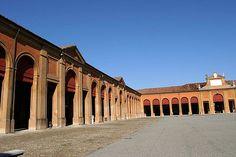 Lugo di Romagna (RA) - Il Pavaglione. E' lungo 132 metri e largo 84, può contenere fino ad 8000 persone e racchiude la Piazza della Fiera che  ogni anno,  nel mese di settembre, accoglie la caratteristica fiera.