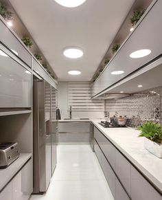 É muita delicadeza e aconchego para um quarto só! - Projeto Monise Rosa - Me acompanhe também no e - Face:… Elegant Kitchen Design, Kitchen Decor, Luxury Kitchens, White Kitchen Design, Contemporary Kitchen Design, Kitchen Cabinet Design Photos, Home, Dream Kitchens Design, Skylight Kitchen