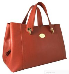 CLASSIC HANDBAGS - DAISY Item 1391 Size (cms) : 38x23x18                                                                                    Material : Frenzy Calfskin Include : Dust Bag and Care Card Instructions Detailing : Entirely Made in Italy Closure : Zip closure Interior : Fabric lining, inside wall zipper, open pocket and cell phone pouch