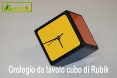 Orologio da tavolo cubo di Rubik