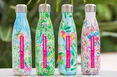 One Lilly Pulitzer Starbucks Swell Swell Water Bottle Sirens Calling Mermaid Swell Water Bottle, Cute Water Bottles, Best Water Bottle, Starbucks Water Bottle, Starbucks Bottles, Botella Swell, Drink Containers, Good Day Sunshine, Lilly Pulitzer