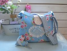 """Umhängetaschen - Estrellas Shoulder Bag """" Love Roses blue """" blau - ein Designerstück von Fa-Estrellas bei DaWanda"""