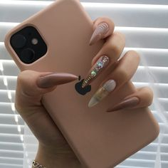 Amazing 2020 Nail Fashion Trend Ideas, Must Have Your Favorite - Page 8 of 152 - Inspiration Diary Girly Phone Cases, Pretty Iphone Cases, Iphone Phone Cases, Iphone 11, Iphone Mirror Selfie, Acrylic Nails Nude, Phone Accesories, Aesthetic Phone Case, Iphone Hacks