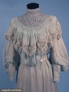 Early 20th century Belle Epoch Tea gown with incredible lace details. #antique #lace