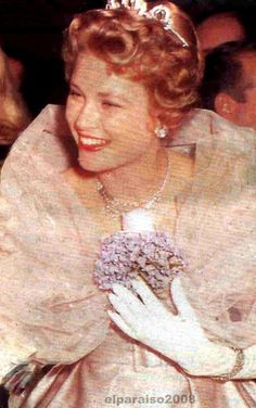 Grace de Monaco in Maggy Rouff gown Imperial Ball, Waldorf Astoria,NYC....Dec/58
