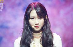 Oh My Girl - Jiho Kpop Girl Groups, Kpop Girls, Oh My Girl Jiho, Pin Pics, Jewel, Entertainment, Princess, Gem, Jewels