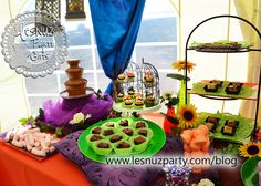Mesa dulce fuente de chocolate, mini cupcakes, brownie y chuches - Sweet table chocolate fountain, mini cupackes, brownie and sweets