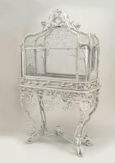 ゝ。White Victorian Terrarium..。