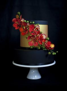 Handmade royal poinciana flowers – a cake design that has been bouncing around in my head for a long time.