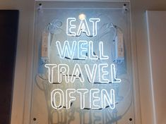 Enseignes Néon Woko Fabricant, Lyon, Eating Well, Neon Signs, Clean Eating Foods, Healthy Eating, Eat Right, Good Food