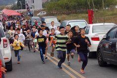 921災後第17個過年:讓部落「碰碰」織布聲繼續響起吧! | Mata Taiwan