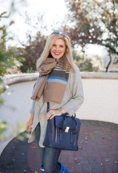 Gray chicwish sweater with Hunter boots and a 3.1 Phillip Lim bag
