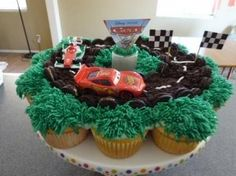 race car cupcake cake!
