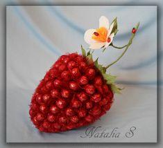 Gallery.ru / Фото #69 - Композиции из конфет - Natka-S Raspberry, Strawberry, Fresh Flowers, Biscuits, Fruit, Boyfriends, Box, February, Presents
