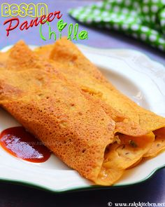 Filling paneer chilla North Indian Recipes, Indian Food Recipes, Ethnic Recipes, Chaat Masala, Indian Breakfast, Breakfast Snacks, Quick Snacks, Vegetarian Cooking, Appetizers For Party