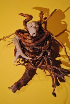 Wienerwald-Troll aus gefundenen Objekten von Lily Schlesinger