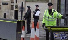 لندن توجه تهمة الإعداد لهجمات إرهابية لشخص محتجز بمطار لندن: لندن توجه تهمة الإعداد لهجمات إرهابية لشخص محتجز بمطار لندن