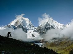 Video: Three Friends' Bold Adventure Mountain Biking in the Peruvian Andes