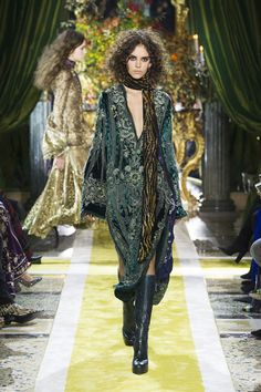 Fall 2016 FASHION TRENDS  Whiskey a Go Go  The girl to put on a pedestal for fall is the '70s glam rock chic—the one who would stay out all night listening to bands at Whiskey a Go Go in LA, tossing her chubby fur over her printed caftan before heading back out into the night air. Now you can find her at Roberto Cavalli, Altuzarra and Chloé.  Pictured: Roberto Cavalli