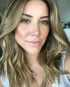 @blogbrunalucena #makeup #maquiagem #loiras #bronzeada #strobing #iluminador #micarocha