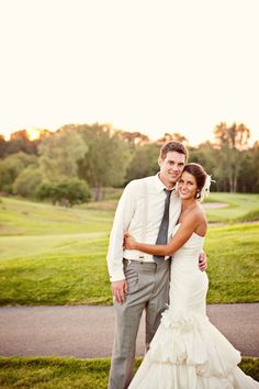 Gotta get the green background! Photo by Sara C. #minneapolisweddingphotographer #weddingphotography
