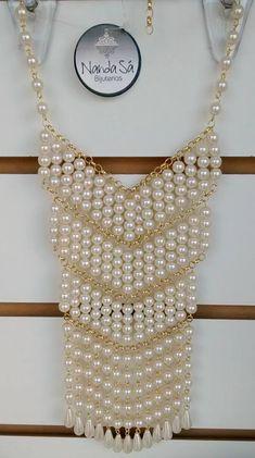 Collar perlas y cadena dorada