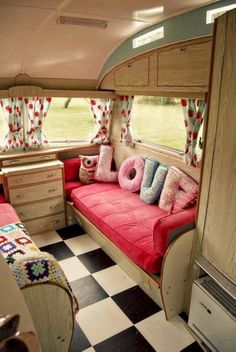 Genius Camper Remodel and Renovation Ideas to Apply 60