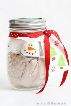 marshmallow snowman MASON JAR HOT CHOCOLATE for an easy, fun homemade Christmas or holiday gift idea Video how-tos. Handmade Gifts For Friends, Christmas Gifts For Friends, Handmade Christmas Gifts, Homemade Christmas, Holiday Gifts, Christmas Desserts, Christmas Treats, Hot Chocolate In A Jar, Hot Chocolate Gifts