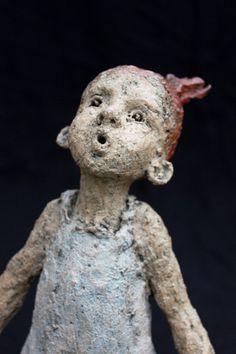 Juste envie de vous faire découvrir JURGA  (Jurgita Martin) , jeune artiste lituanienne     née à Utena en 1977 et installée à Rouen....
