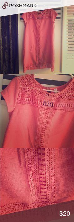 Coral Elegant Dress Worn once. Summer brunch time dress. Dresses Midi