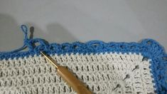TAPETE RETANGULAR RENDADO EM CROCHÊ COM PASSO A PASSO Diy And Crafts, Crochet Rug Patterns, Rectangular Rugs, Crochet Hearts, Needlepoint, Projects, Art
