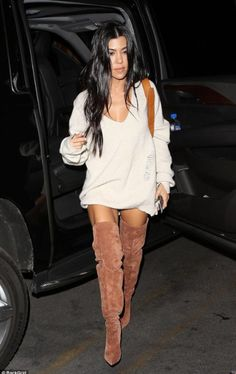 Kim Kardashian enjoys belated family birthday dinner in LA Legs for days! Inspired by the fall weather, Kourtney, donned a slouchy sweater dress for the evening affair Kourtney Kardashian, Estilo Kardashian, Kardashian Style, Fashion Killa, Look Fashion, Fashion Outfits, Womens Fashion, Fashion Trends, Fall Fashion