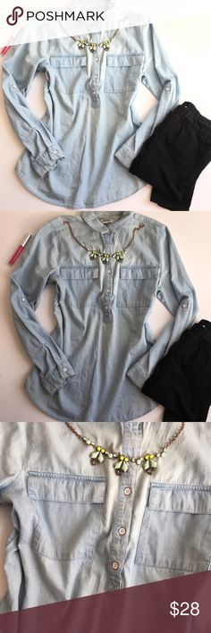 Trendy jean tunic ✨EUC  ✨measurements upon request  ✨no trades  ✨make me an offer I can not refuse  ✨if you have any other questions let me know   Always thank you for shopping and don't forget to save 20% by bundling Old Navy Tops Button Down Shirts