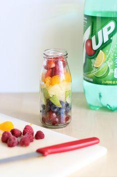 New Fruit Platter Modern 67 Ideas Rainbow Fruit Trays, Rainbow Drinks, Rainbow Desserts, Fruit Diet, New Fruit, Fruit Cups, Fruit Drinks, Tea Party Menu, Non Alcoholic Punch