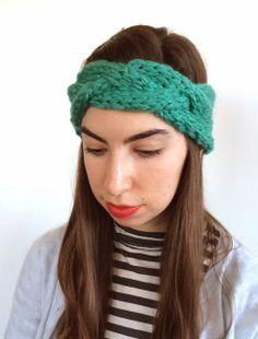Top braided headband in spearmint