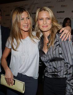 Jennifer Aniston (Kibbe Soft Natural) and Robin Wright (Kibbe Flamboyant Natural)