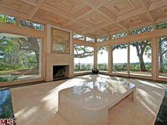 Elvis Presley's Former Beverly Hills Home: Living Room