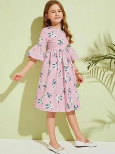Girls Floral And Striped Flounce Sleeve Dress – gagokid Dresses Kids Girl, Little Girl Outfits, Kids Outfits, Vintage Girls Dresses, Girl Dress Patterns, Babydoll Dress, Kids Fashion, Dresses With Sleeves, Toddler Girl Outfits
