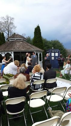Doctor Who wedding - with lots of flowers for the fairytale lol