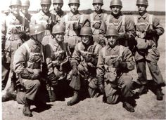 I only have a very limited knowledge of WWII German Airborne Forces, my primary area of interest being the British Parachute Regiment and A...