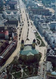 2007 Piac utca